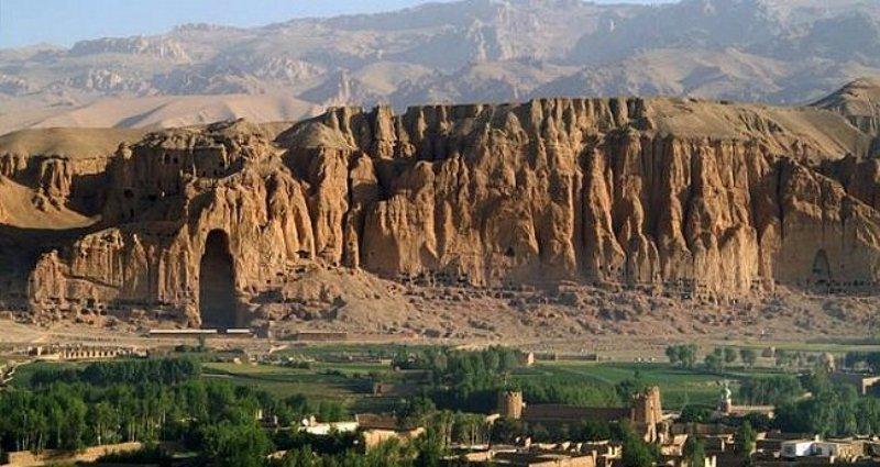 Картинки по запросу bamiyan valley in afghanistan