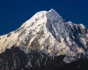 نمایی دیگر از قله تریچ میر واقع در رشته کوه های هندوکش