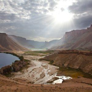 بند امیر به عنوان یکی از مناطق دیدنی ولایت بامیان می باشد که اولین پارک ملی افغانستان نیز می باشد.